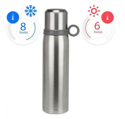 Código TMPS 68  TERMO AKAN (Doble pared. Cerrado al vacío. Incluye taza con agarradera y válvula de seguridad.)  Material: Acero Inoxidable / Plástico.  Tamaño: 7.3 x 28.2 cm