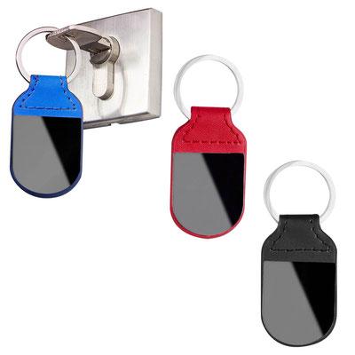 Código M 6880  LLAVERO AMARAL   (Incluye caja individual.)   Material:  Material PU/ Metal  -  Tamaño:  3.3 x 8.4 cm