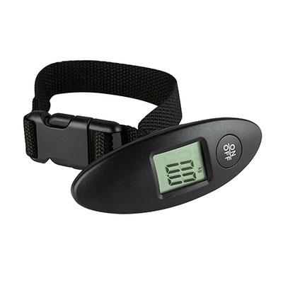 Código BAS 004 -BáSCULA TINY- Display digital. Capacidad máxima 40 kg. Incluye correa y 1 batería de botón. Unidades de peso: kg y lb. Material: Plástico.  Tamaño: 3.5 x 10 cm.
