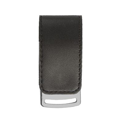 Código USB 020 -USB MILETO- Incluye caja individual, 8GB. Material: Curpiel / Metal.  Tamaño: 2.8 x 6 cm.