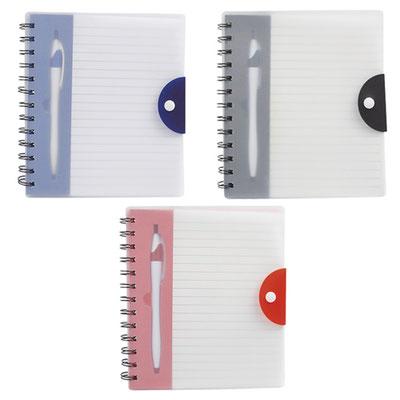 Código  HL 1400  Libreta -   100 Hojas de raya. Incluye bolígrafo y espiral metálico doble.  Material: Espiral metálico / plástico- Tamaño: 15.4 x  18 cm