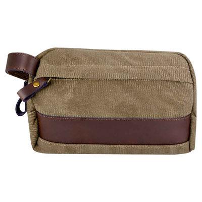 Código SIN 157   NECESER BRAGANZA (Neceser con asa, bolsa principal con cierre y compartimento interno.)   Material:  Canvas / Curp iel.    Tamaño:  21 x 15 x 10 cmTamaño:
