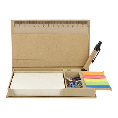 Código  HL 6270  PORTA NOTAS DOKKA (Incluye bolígrafo ecológico, porta plumas, regla de 15 cm, clips y notas adheribles: 100 en color beige y banderas de colores.)  Material:  Cartón / Papel / Plástico.  Tamaño: 16.5 x 10.2 cm.