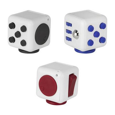 Código GM 034 A  CUBO TIC-ZAP (Cubo anti-stress con joystick, giro, engranes, balín y botones. Incluye correa.)  Material: Plástico. Tamaño: 3.8 x 3.8 cm.