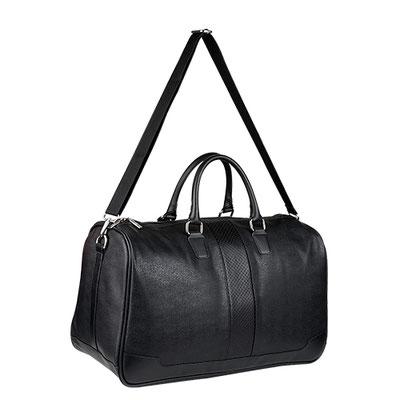 Código SIN 068  MALETA FARAH (Bolsa principal con cierre interno. Bolsa trasera con cierre. Incluye correa.) Material:  Curpiel. Tamaño: 49 x 35 x 20 cm.