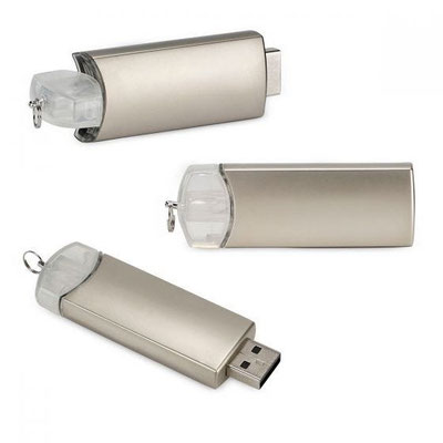 Código  USB 131 B    USB MONTBUI 16 GB  (Incluye caja individual.)    Material: Plástico / Metal  Tamaño: 2.3 x 6.3 cm
