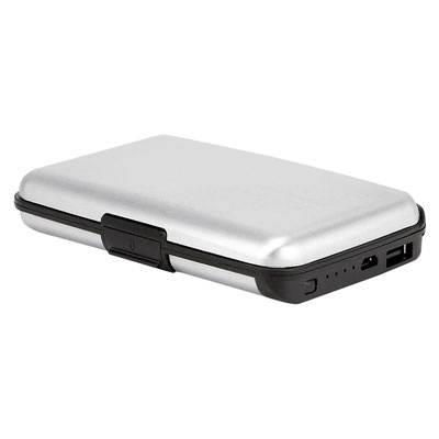 Código 83750 TARJETERO NOSHAQ (Cuenta con 5 espacios para tarjetas y batería auxiliar capacidad 2500 mAh. Incluye cable adaptador compatible con micro USB. Sistema anti robo RFID.)  Material: Aluminio / Plástico.  Tamaño: 10.5 x 7 cm