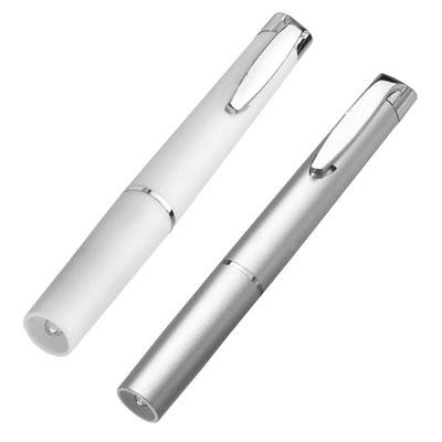 Código LAM 300 -LáMPARA RIDER- 1 LED, luz blanca. Incluye 3 baterías de botón.  Material: Plástico. Tamaño: 1.4 x 12.7 cm.