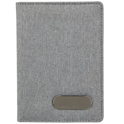 Código  M 80120  PORTA PASAPORTE LIVIGNO (Compartimento para pasaporte, visa y tarjetas.)  Material:  Poliéster. Tamaño: 10.5 x 14.5 cm.