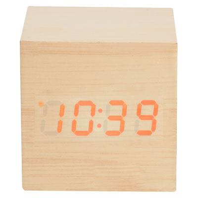 Código MK 120  RELOJ TIME CUBE (Reloj de madera con LED. Funciones: hora, alarma (se pueden programar 3 alarmas), calendario y temperatura. Baterias (3 pilas AAA) no incluidas. Incluye caja individual.)   Material: Madera.  Tamaño: 6.2 x 6.2 cm.