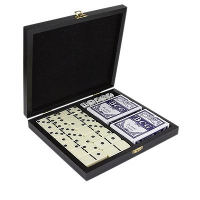 Código JM 050 -JUEGO DE DOMINó Y CARTAS ARUA-  Incluye caja de madera, dominó con 28 piezas, 2 barajas y 5 dados.  Material: Estuche Madera / Fichas Plástico. Tamaño: 21.5 x 19 cm.