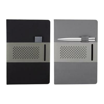 Código HL 9015  LIBRETA QUERCUS (80 Hojas raya. Incluye elástico para bolígrafo y compartimento para tarjeta. No incluye bolígrafo.) Material: Curpiel.  Tamaño: 14.5 cm x 21.5 cm.