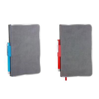 Código  HL 9010  Libreta -   96 Hojas de raya. Con borde metálico para protección de extremos, incluye elástico y bolígrafo metálico.   Material: Curpiel / Metal  - Tamaño: 12.7 x  21 cm