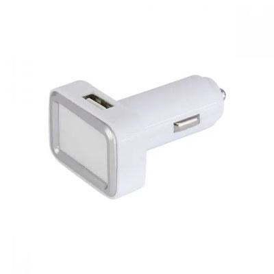 Código CRG 008  - CARGADOR INOKO- Cargador para automóvil con 2 entradas USB. El área de impresión enciende al conectar. Material: Plástico. Tamaño:  4.2 x 3 cm
