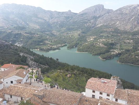 Blick auf den Stausee von Guadalest/ Spanien.