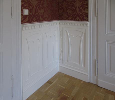 Wandvertäfelung weiß lackiert