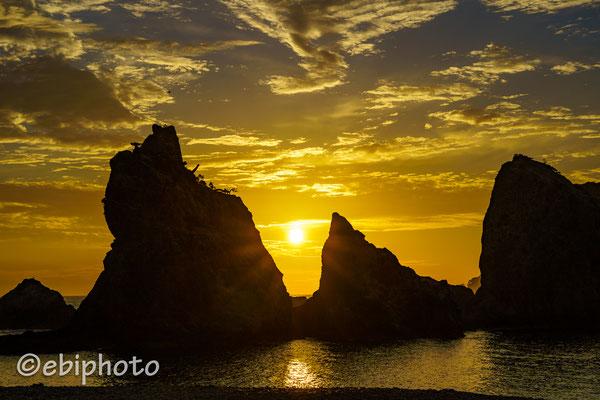 朝の浄土ヶ浜