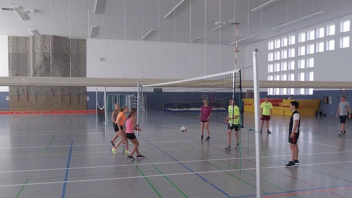 Volleyball zum Aufwärmen