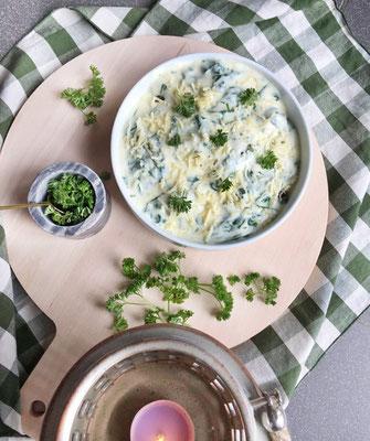 Gehaktballetjes met peterseliepesto en romige spinazie