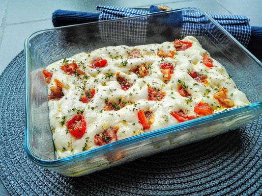Focaccia met zongedroogde tomaten