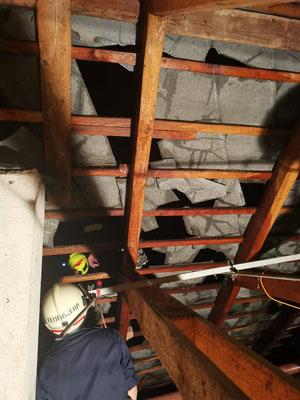 1. Einsatz von Jakob vom Dachboden direkt aufs Dach