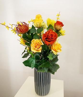 gelb orange Blütenstrauss