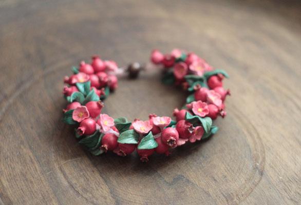 Бусы-трансформер (бусы-браслет) с гранатами и цветами. 3800р.