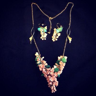 """ожерелье """"Шик"""" цвет розовый, с кораллом, с латунными деталями ручной работы 4000р"""