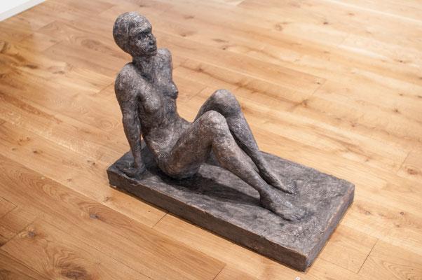 Gaia, 1986, Steinguss, 39cm x 82cm x 63cm
