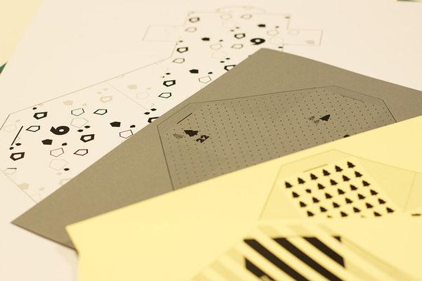 Verschiede Papierfarben und -größen möglich