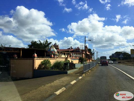 Einer von vielen Hindu-Tempels auf der Insel