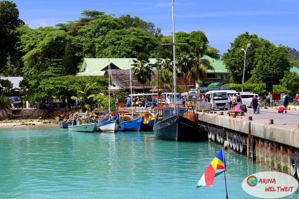 Hafen von La Digue