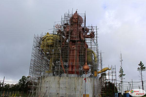Devi - die göttliche Mutter (Statue seit 4 Jahren im Bau)
