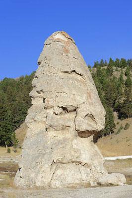 Liberty Cap, Mammoth Hot Springs / ch059288