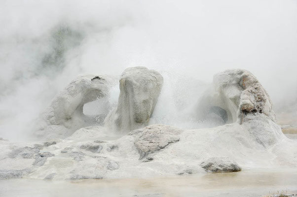 Grotto Geysir / ch060854