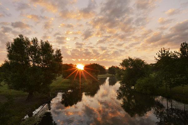 Sonnenaufgang an der Lippe, Nordrhein-Westfalen / chhd0023