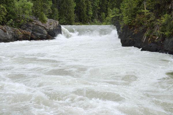 Overlander Falls / ch157007
