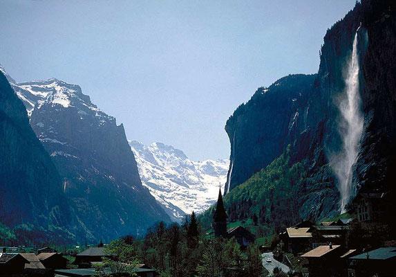 Weitwandern ohne Gepäck auf der Via Alpina Bärentrek-Hintere Gasse Berner Oberland: Lauterbrunnen