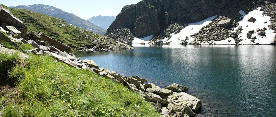 Weitwandern ohne Gepäck im Gotthard-Massiv: Tomasee