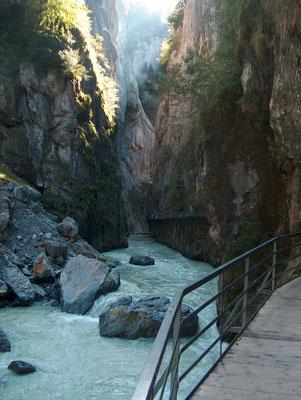 Gourmet Wanderung im Berner Oberland: Aareschlucht