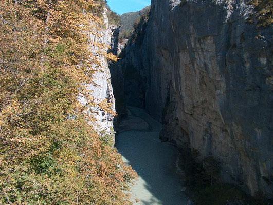 Weitwandern ohne Gepäck im Berner Oberland Bärentrek-Hinteregasse: Aareschlucht