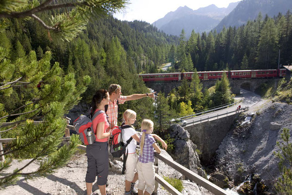 Welterbe Räthische Bahn, Weitwanderung Via Albula und Bernina