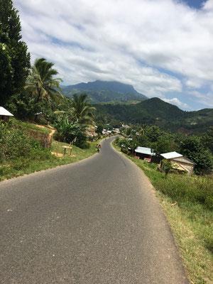 Die Straße von Sambava nach Andapa zählt zu den schönsten Routen, die man weltweit bereisen kann