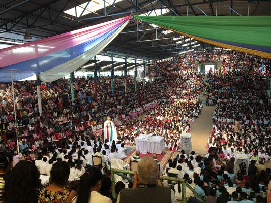 Die wöchentliche Messe in Akamasoa ist ein echtes Erlebnis!