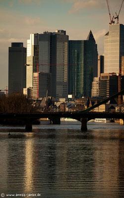 Jede Brücke, die du nicht überquerst, ist eine verpasste Chance auf ein neues Leben.