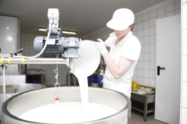 Käseproduktion beim Vorderkreebauern in Hüttschlag