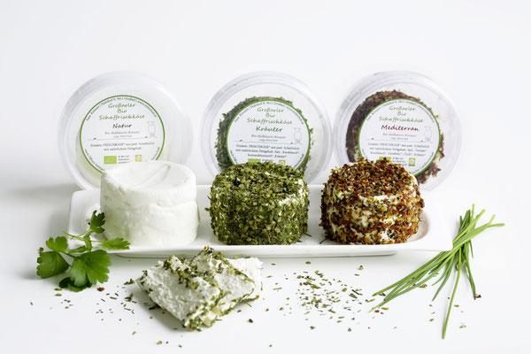 Verschiedene Käsesorten aus der Schafkäse der Bio-Hofkäserei Mitterhub in Großarl