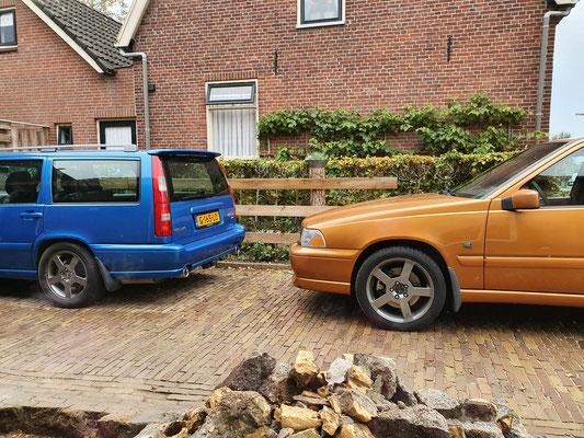 V70 2.3 R AWD saffron