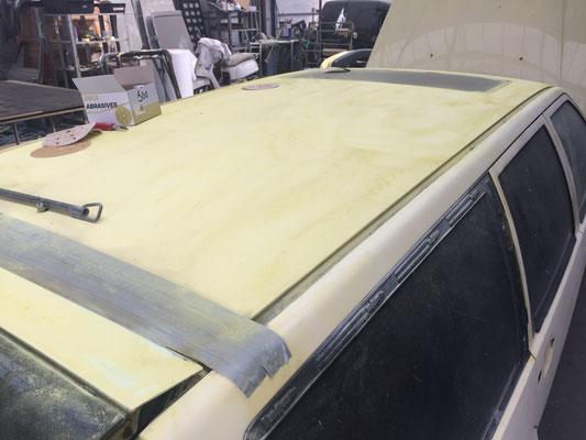 volvo 850 T5R cream yellow