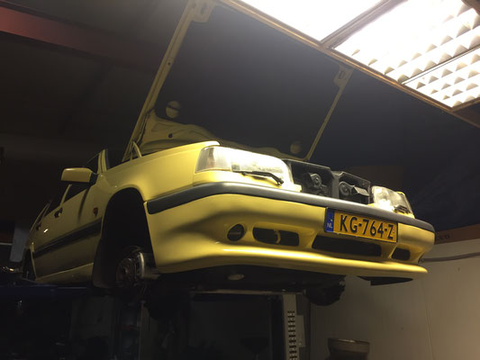 btc volvo 850 T-5R cream yellow